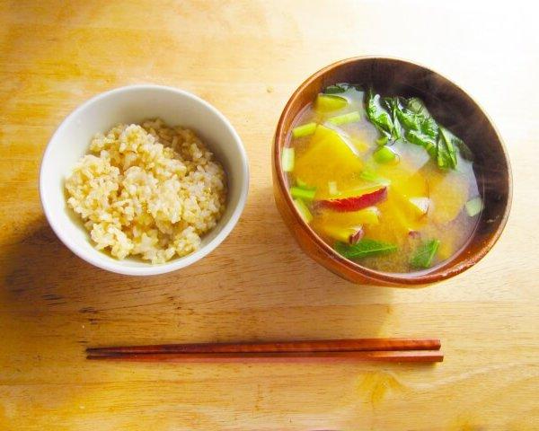 玄米が健康に良いと言われる理由とは?